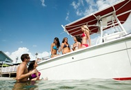 7 Tips for Throwing a Dubai Yacht Party Image